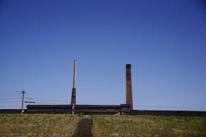 4月の青空と煙突